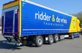 Ridder & de Vries Transporten kiest voor een Wezenberg schuifzeil Krone met stuuras.
