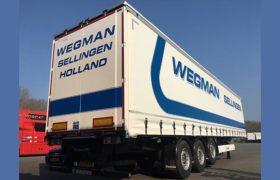 Drie Wezenberg schuifzeil Krone voor Wegman Transport Sellingen