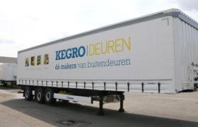 Wezenberg Trailers levert 3-asser gestuurde tautliner af aan Boerstal Transport Service