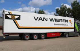 Wezenberg Trailers levert nieuwe Krone koeloplegger aan van Wieren International in Emmeloord