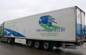 Wezenberg Polyester Krone oplegger afgeleverd aan van Harn Express uit Vianen