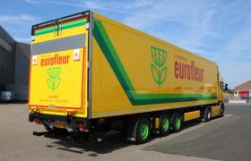 Wezenberg Trailers levert gestuurde polyester Krone koeloplegger aan Tuincentrum Eurofleur uit Leusden