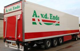 Wezenberg Trailers levert wederom polyester Krone bloementrailer aan A. van den Ende transport