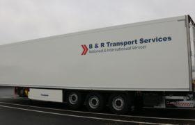 Wezenberg Trailers levert polyester Krone koeloplegger af aan B&R Transport Services uit Heesbeen