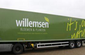 Wezenberg Trailers levert Krone Polyester oplegger af aan Willemsen Bloemen in Apeldoorn