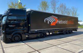 Wezenberg Trailers levert Krone Mega Liner af aan Rietveld Pallets BV in Utrecht