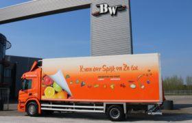 Wezenberg Trailers levert SOR koelbak incl. Carrier Supra 7HE koeling af aan K. van der Spijk en Zn. IJsselmuiden b.v.