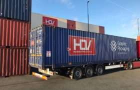Wezenberg Trailers levert 3 Krone containerchassis af aan HOV Harlingen