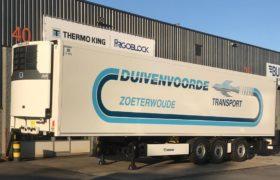 Wezenberg Trailers levert eerste Thermoking Advancer 400 af op polyester Krone voor Duivenvoorde Transport Zoeterwoude