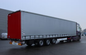 Wezenberg Trailers levert nieuwe Krone Tautliner af aan W. Baron Transport in Ureterp