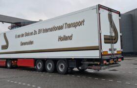 Wezenberg Trailers levert polyester Krone koeloplegger af aan Transportbedrijf H. van der Sluis & Zn. b.v. uit Genemuiden