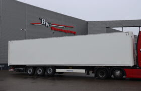 Wezenberg Trailers levert Krone Dry Liner af aan Flextransport in Zwollle