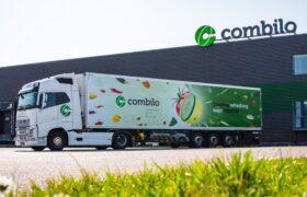 Wezenberg Trailers levert 2 stuks 3-assige polyester Krone koelopleggers af aan Combilo in Waddinxveen