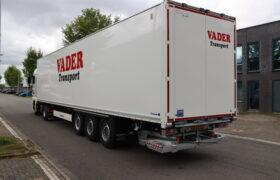 Wezenberg Trailers levert Krone Dry Liner af aan Vader Transport in Schagen