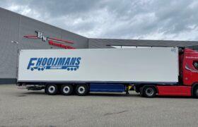 Wezenberg Trailers levert Krone polyester koeloplegger af aan Ferry Hooijmans Transport uit Bergschenhoek