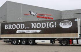 Wezenberg Trailers levert gestuurde Krone polyester koeloplegger af aan Transportbedrijf van de Geest uit Bunschoten